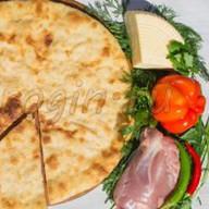 Осетинский пирог индейка, грибы, сыр Фото