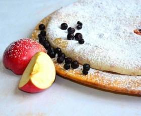 Осетинский сладкий пирог яблоко черника - Фото