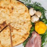 Осетинский пирог с грибами и курицей Фото