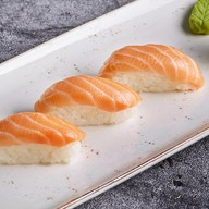 Лосось суши Фото