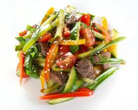 Азиатский салат с говядиной - Фото