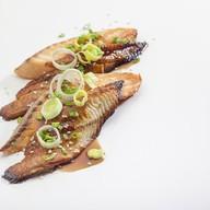 Угорь с лососем Фото