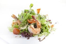 Микс-салат с тигровыми креветками - Фото