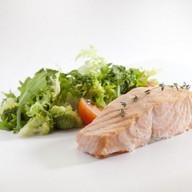 Филе лосося со шпинатом на пару Фото