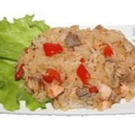 Рис с лососем и овощами Фото