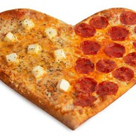 Сердце Четыре сыра-Пепперони Фото