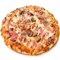 Пицца грибы с колбасой Фото