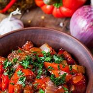 Баранина, тушеная со специями и томатами Фото