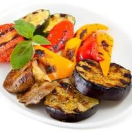 Овощи, запеченные на углях Фото