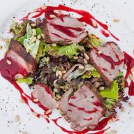 Салат из утиной грудки Фото