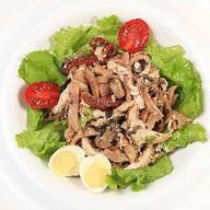 Салат из курицы с языком и грибами Фото