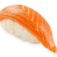 Суши свежий лосось Фото