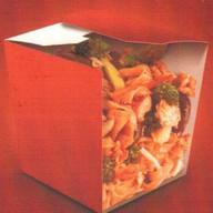 Рисовая лапша с курицей Фото