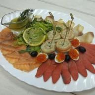 Синеморье - собранный рыбный деликатес Фото