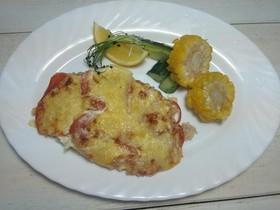Судак приготовленный с помидорами, сыром - Фото