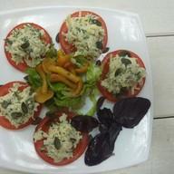 Свежие помидоры с сыром да чесноком Фото