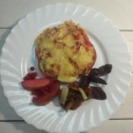 Курица, запеченная под томатами и сыром Фото