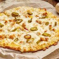 Пицца палочки с курицей и халапеньо Фото