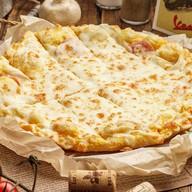 Пицца палочки с ветчиной Фото