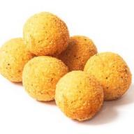 Сырные шарики с халапеньо Фото