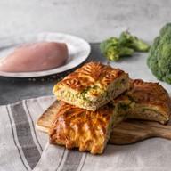 Пирог с курицей и брокколи Фото