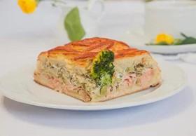 Пирог с кетой,брокколи и творожным сыром - Фото