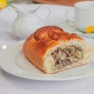 Пирог (кулебяка) с грибами Фото