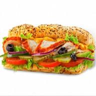 Сэндвич с курочкой гриль Фото