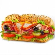 Сэндвич курочка-гриль и бекон Фото