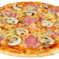 Пицца ветчина с грибами Фото