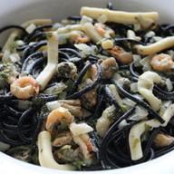 Паста с морепродуктами в сливочном соусе Фото