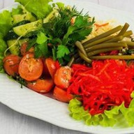 Ассорти малосольное овощное Фото
