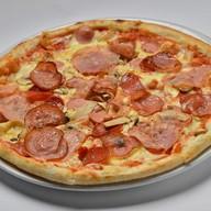 Ветчина грибы пицца Фото