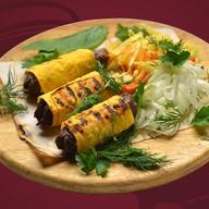 Люля-кебаб из говядины в лаваше Фото