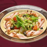 Овощной салат с копченой индейкой Фото