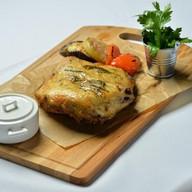 Цыпленок табака с маринованными овощами Фото