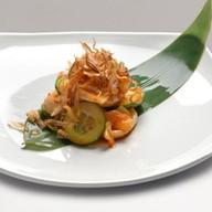 Салат с кальмаром гриль Фото