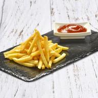 Картофель фри с соусом BBQ Фото