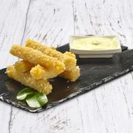 Сырные палочки с чесночным соусом Фото