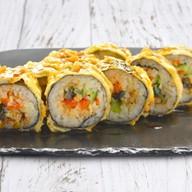 Темпурный ролл с угрем и овощами Фото
