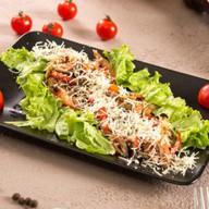 Салат с овощами grill и языком Фото