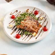 Салат с семгой и рукколой Фото