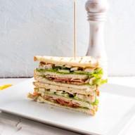 Сендвич с цыпленком grill Фото
