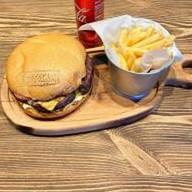 Бургер + фри + кола Фото
