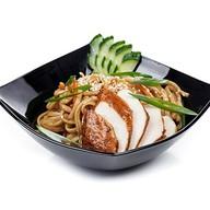 Wok курица в кисло-сладком соусе Фото