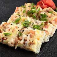 Суши-пицца с курочкой Фото