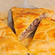 Пирог из гусятины с картофелем Фото