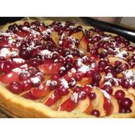 Бисквит с яблоком и клюквой Фото