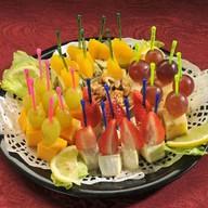 Канапе фруктовое Фото