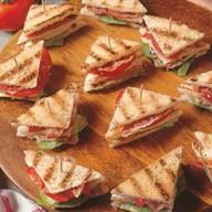 Мини сэндвич курица Фото